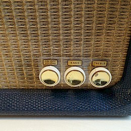 1960s Supravox guitar tube amplifier combo made in Italy 3