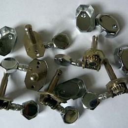 vintage 1960s guitar tuners made in Italy as used by Steelphon, Excelsior, Zerosette and others1