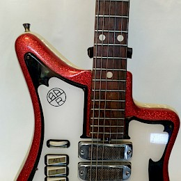 Alvaro Bartolini V4 Red guitar 4