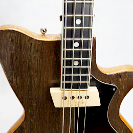 1962 Arnold Hoyer model 34 bass3