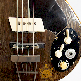 1962 Arnold Hoyer model 34 bass4